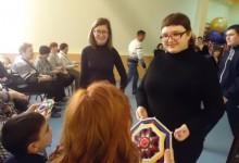 """""""Особые"""" дети устроили праздничный концерт для женщин в Камышине"""