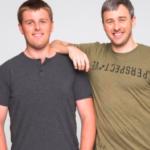 Незрячие братья открыли онлайн-магазин одежды, чтобы собрать деньги на лечение слепоты